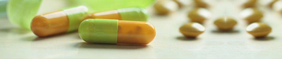 the effect of common household drugs Common household drugs, such as caffeine have side effects such as an increase in heart and pulsation rate, and high blood pressure this drug inhibits the effects of serotonin, a neurotransmitter that increases heart rate another household drug, nicotine, works to lower heart.